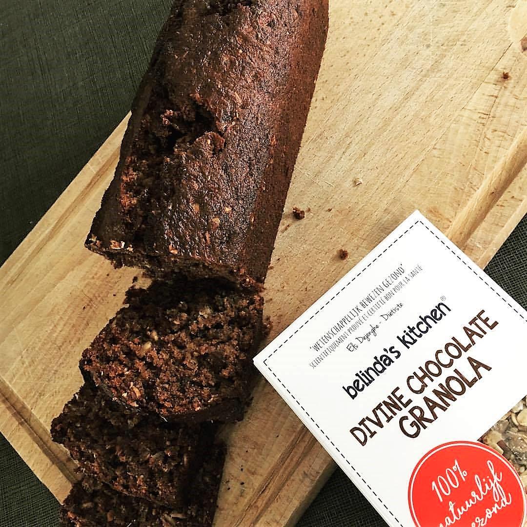 Banana Bread met Divine Chocolate Granola
